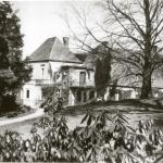 Dwór w Wojsławicach od strony parku, około 1920 r.