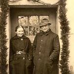Inspektor Walter Pyka z żoną Emmą w dniu ślubu, Wojsławice 1941 r.