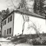 1 -Domek ogrodnika - wiosna_ 1990 r., HGN