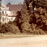 Pałac od strony folwarku - Wojsławice, ok. 1944 r., archiw. OB